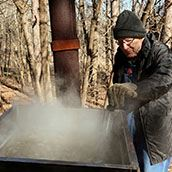 Tapping Syrup boil